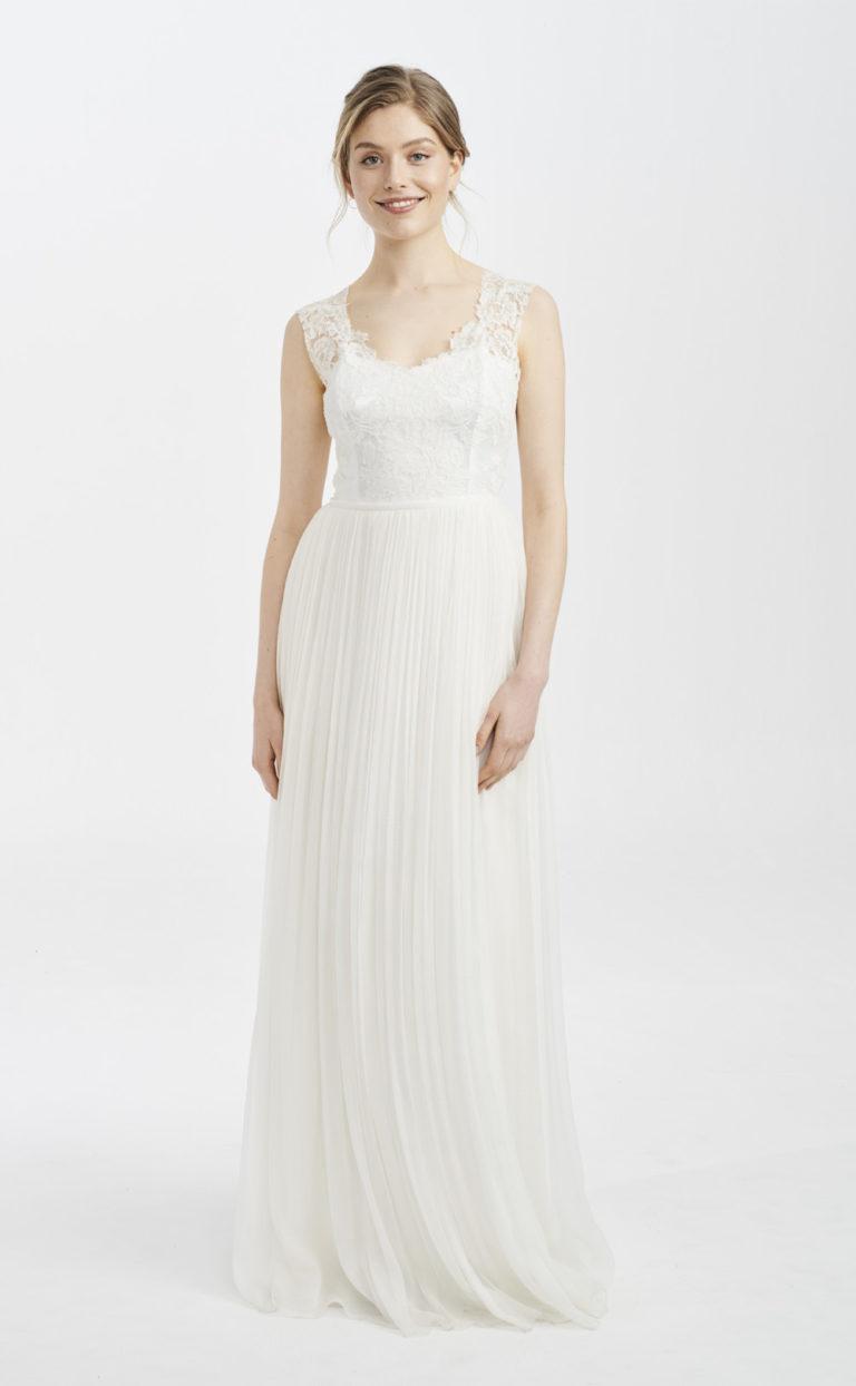 Brautkleid mit französischer Spitze: Meja