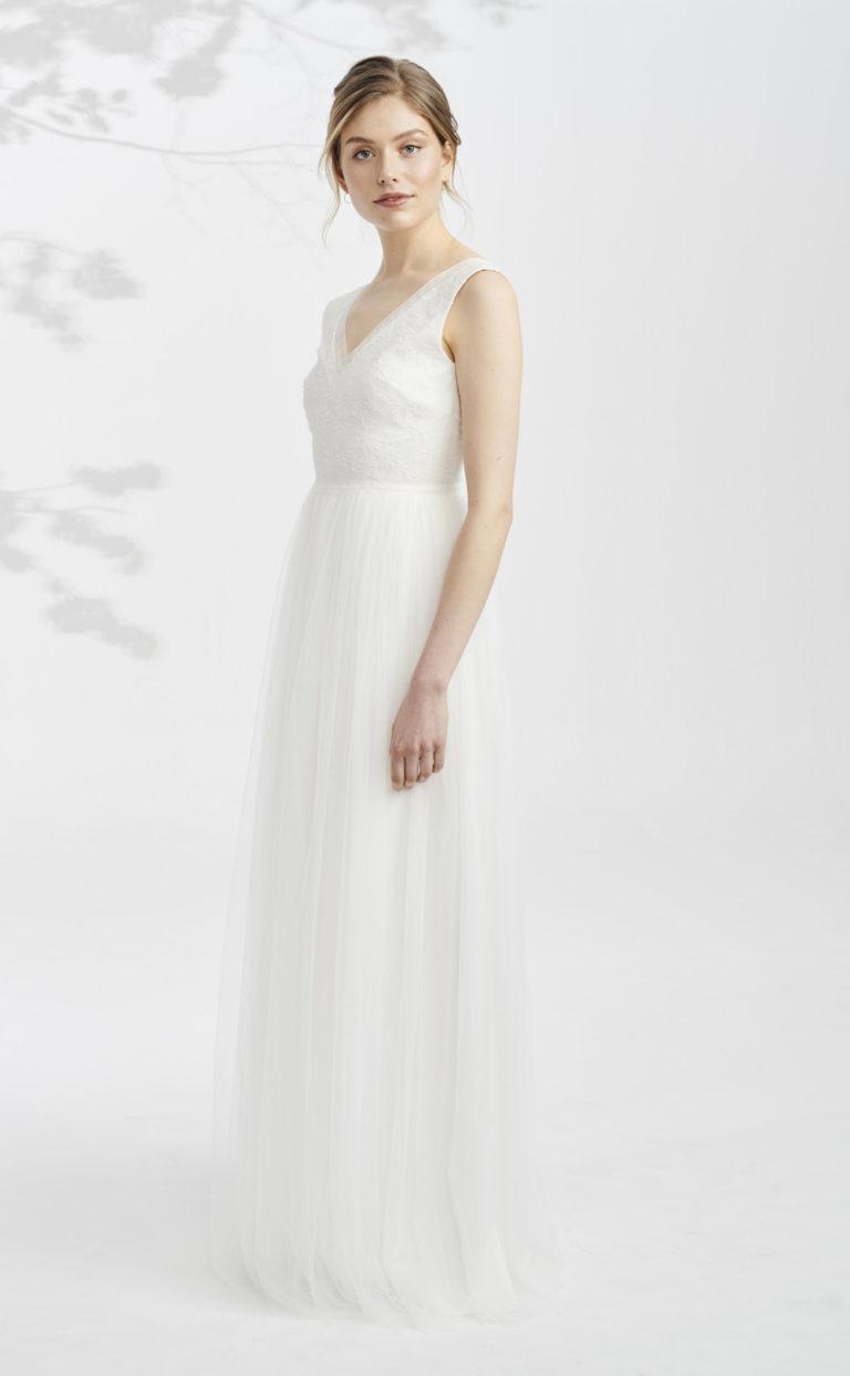 Brautkleid mit floraler Spitze: Talisa
